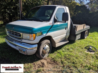 2002 Ford E-450 dually, 11? x 8? flatbed, 7.3 dies