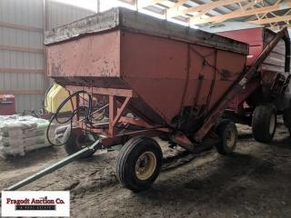 Kilbros 250 bushel gravity box with hydraulic aug