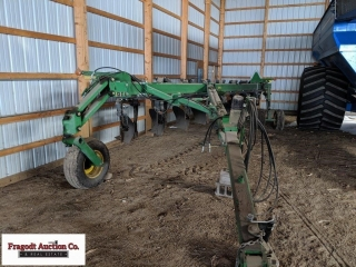 John Deere 3710 plow, variable width, 16?, 18?, or