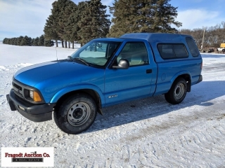 1994 Chevrolet S10, 2wd, automatic, shows 146,000