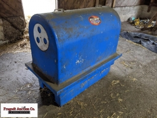 Ply Dome calf watmer. Item is located near Milan,