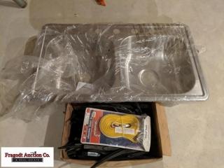 10' heat tape, stainless kitchen sink (new). Item.