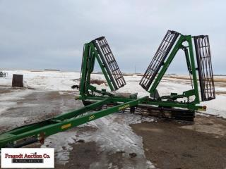 John Deere 200 Crumbler, 44.5' rolling baskets. It