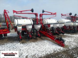 *NEW* 2014 White WP9222 planter, never been in the