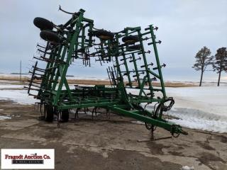 John Deere 980 44.5' Field Cultivator, 4 bar Flexi
