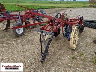 McCormick 3 Bottom Slat Plow on Steel Wheels, Pull