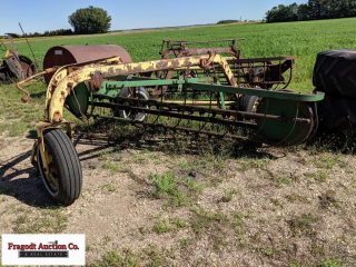 John Deere 640 4 bar ground driven rake, pull type