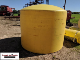 1,500 gallon yellow poly tank, 3? hole