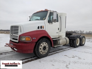 1999 9500 Ford Sterling N14 Semi Tractor, Cummins