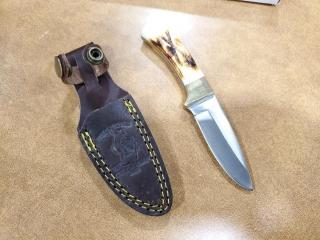 Bone Collector Hunting/Skinning Knife 6.25