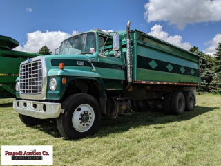 Ford 880 Tandem Axle Grain Truck ? 477 Gas Engine,