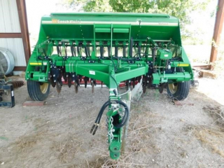 Great Plains 1006NT-1575 planter, DD, Cutters