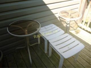Seats & Tables