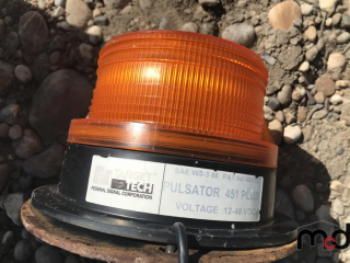Strobe Light w/ Post for Truck Mount UNRESERVED