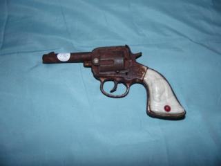 ANTIQUE CAST IRON BUFFALO BILL CAP GUN PISTOL