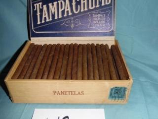 VINTAGE TAMPA CHUMS PANETELAS CIGAR BOX W/CIGARS