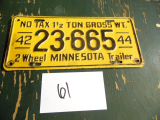 1942-44 MINNESOTA 2 WHEEL TRAILER LICENSE PLATE