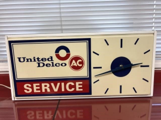 Original 1960's GM Hanging Service Light Up clock