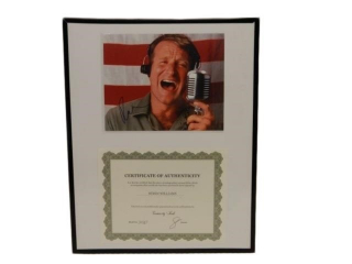 FRAMED CERTIFICATE OF AUTHENTICITY ROBIN WILLIAMS
