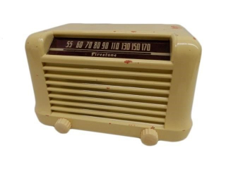 1948 FIRESTONE TIRE & RUBBER TABLE TOP RADIO