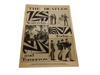 1968 THE BEATLES YESTERDAY TODAY TOMORROW MAGAZINE