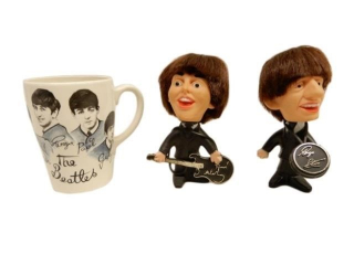 GROUPING OF BEATLES COLLECTIBLES