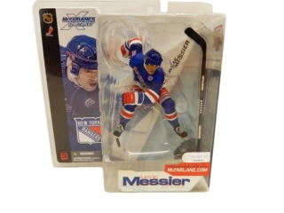 NEW YORK RANGERS MARK MESSIER  FIGURINE