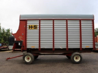H&S self unloading forage box