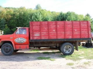 1975 GMC Grain Truck w/Hoist