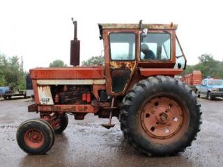 IH 966 diesel tractor w/cab