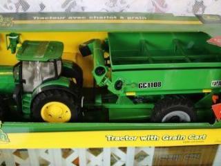 Ertl Big Farm John Deere Toy Tractor w/Grain Cart