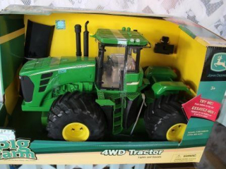 Ertl Big Farm John Deere Toy 4WD Tractor