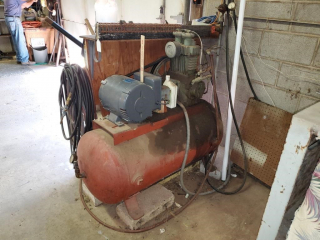 220 Quincy Air Compressor