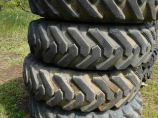 Solideal 13.00-24TG Tires with Rims