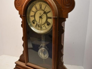 Clock with pendulum (no Key), Unknown working