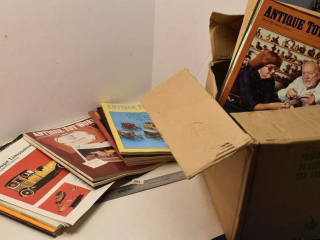 Box of Collector Toy Magazines *LY