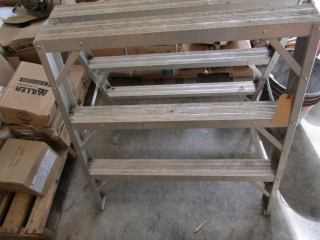 Aluminum 3 Step Saw Ladder