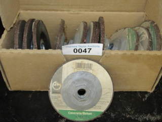 Box of 12 concrete grinding stones 4.5""