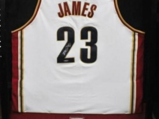 LeBron James Signed Jersey #23 w/COA