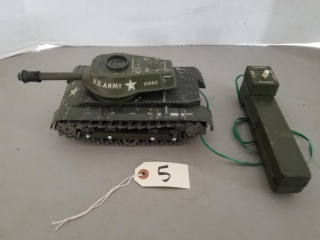 Vintage 1965 Daisy/Matic Missile Tank No. 80