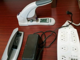 office items incl heavy duty stapler,