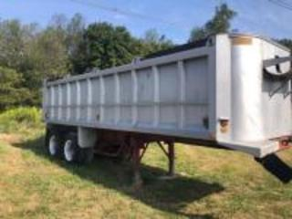 28ft aluminum Dump Bed with air rail gate (great condition)