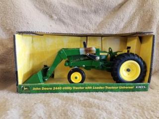 John Deere 2440 Utility Tractor w/Loader