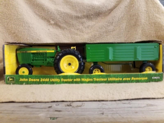 John Deere 2440 Utility Tractor w/Wagon