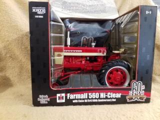 International 560 Hi-Clear Tractor
