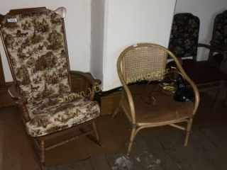 Lot of 10 chairs and bedframe location building