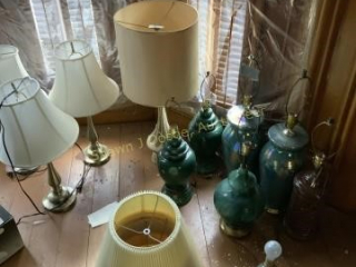 Lot of 11 lamps and assorted shades location