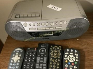 Sony radio with CD player and a multiple remote