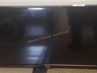 LG flat-screen TV model number 32 Ln 530 B