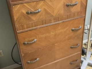 Four drawer chest of drawers  four drawer chest